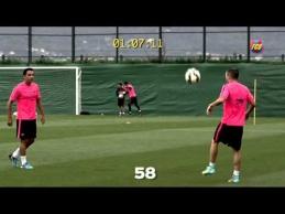 """""""Barcelona"""" trijulė 100 kartų iš eilės ore atmušė kamuolį"""