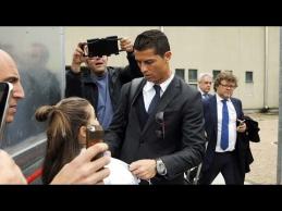 Mergina nesulaikė ašarų, sugebėjusi prasmukti iki C.Ronaldo