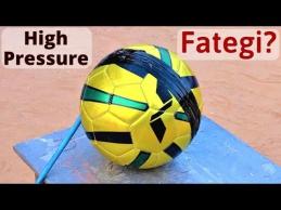 Kaip indas sprogdino kamuolį